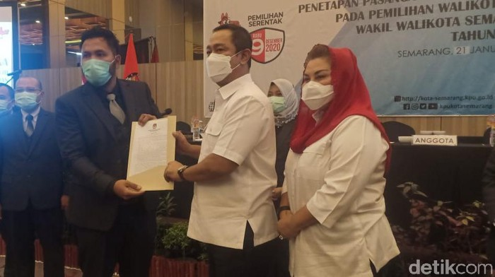 Paslon Hendrar Prihadi- dan Hevearita Gunaryanti Rahayu (Hendi-Ita) kembali ditetapkan sebagai Wali Kota dan Wakil Wali Kota Semarang. Keduanya kembali memimpin Semarang perioade 2021-2024
