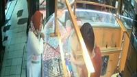 Siasat Emak-emak Berujung Emas Ratusan Juta Rupiah Diembat