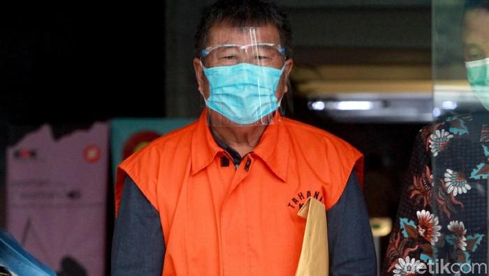 Andreas Hongkiriwang, tersangka kasus suap yang juga seret Bupati Banggai Laut Nonaktif Wenny Bukamo, diperiksa KPK. Ia diperiksa terkait kasus yang menjeratnya