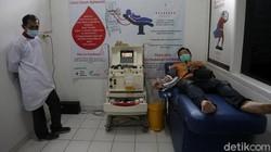 Donor plasma konvalesen dari penyintas COVID-19 membantu sembuhkan pasien COVID-19. Ajakan untuk melakukan donor plasma konvalesen pun gencar dilakukan.