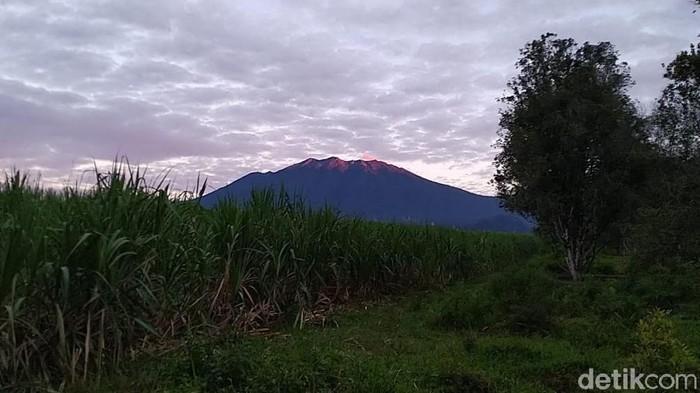 Status Gunung Raung Ditingkatkan Menjadi Waspada (Level II)