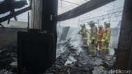 16 Bangunan Semi Permanen Terbakar di Jakpus