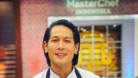 5 Fakta Karir Chef Juna yang Positif Covid-19, Jadi Pilot di Amerika dan Juri Masterchef