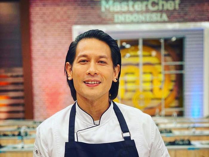 5 Fakta Karir Chef Juna, Jadi Pilot di Amerika hingga Juri Masterchef