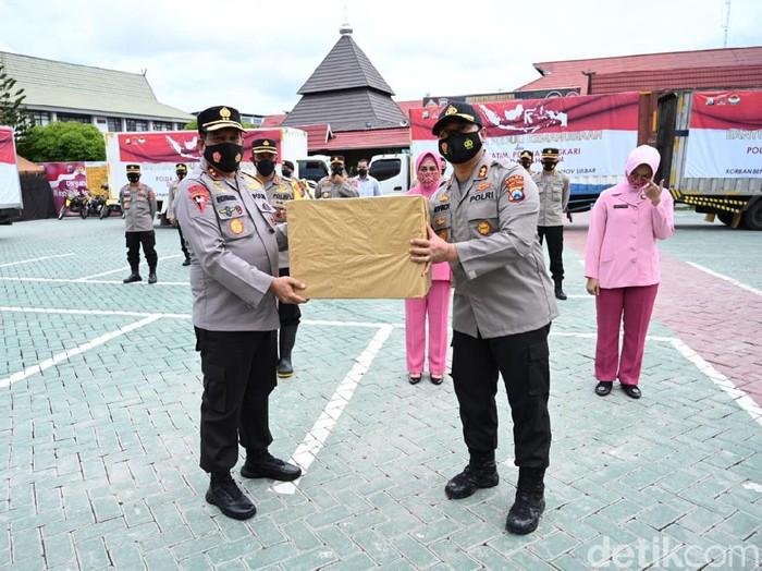 62.240 Paket Bantuan Korban Banjir dari Polda Jatim Tiba Banjarmasin
