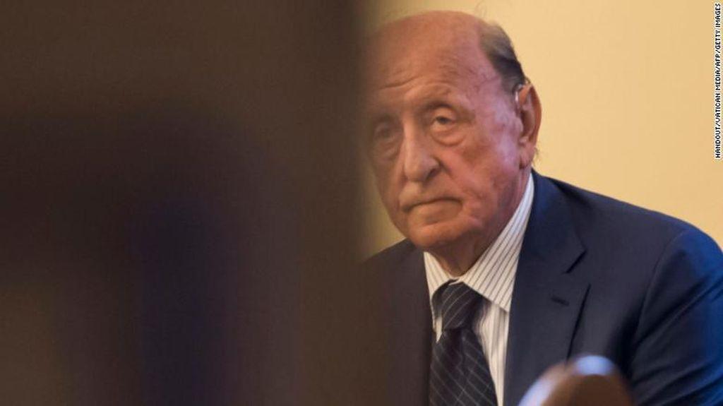 Eks Kepala Bank Vatikan Dibui 8 Tahun Atas Penggelapan dan Pencucian Uang