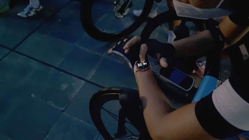 Couple Riding Saat Sunrise Makin Epik dengan Galaxy S21 Ultra 5G