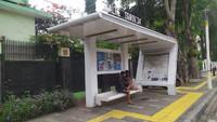 Polisi Terima Info soal Sosok Perempuan Mesum di Halte Bus di Senen