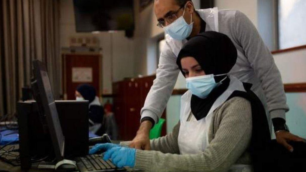Kematian Corona Bertambah, Inggris Vaksinasi 200 Orang Tiap Menit