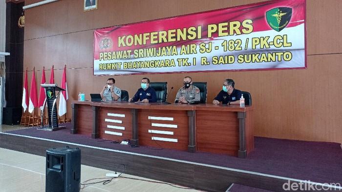 Konferensi pers identifikasi korban Sriwijaya Air SJ182, Jumat (22/1/2021) (Sachril Agustin Berutu/detikcom).