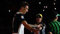 Mandzukic-Ibrahimovic, Kakak Pembimbing di AC Milan
