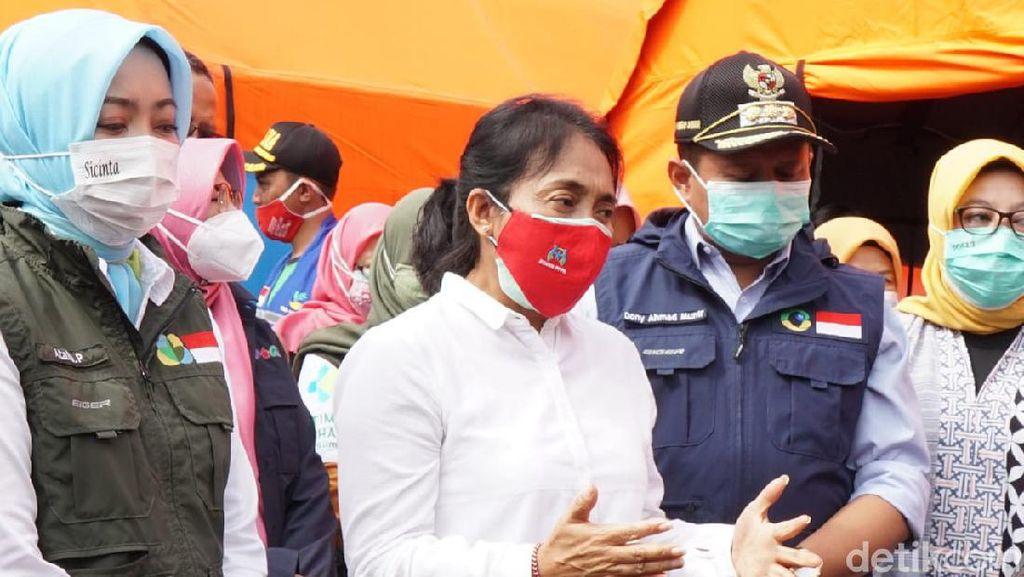 Menteri PPPA Kawal Istri Korban Longsor Sumedang