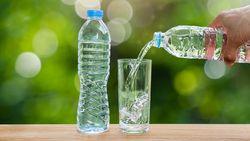 Perbedaan Air Minum dan Air Mineral Beserta Kandungan dan Manfaatnya
