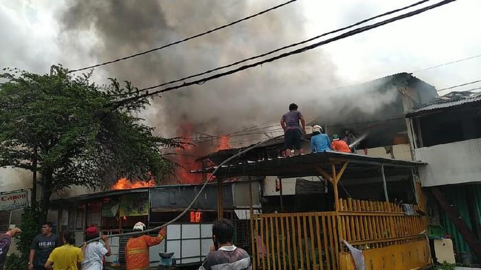 Permukiman warga di Jakpus terbakar.