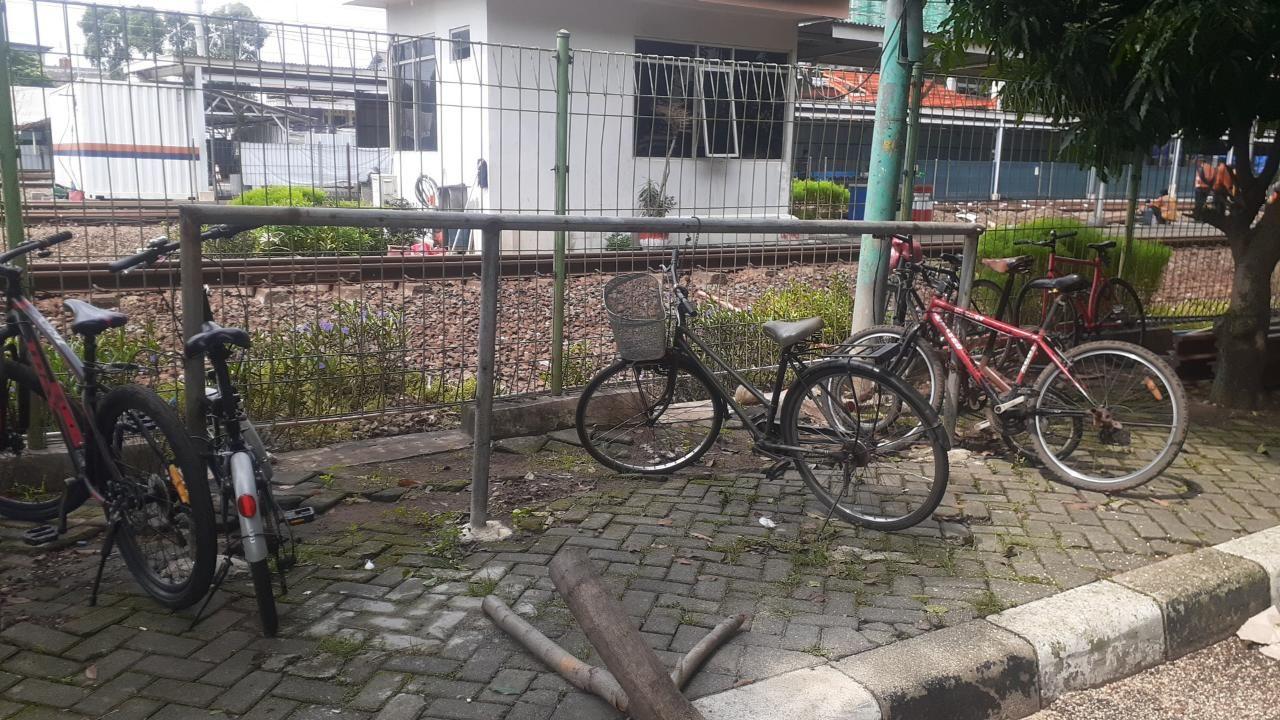 Pesepeda di Stasiun Bekasi. (Afzal Nur Iman/detikcom)