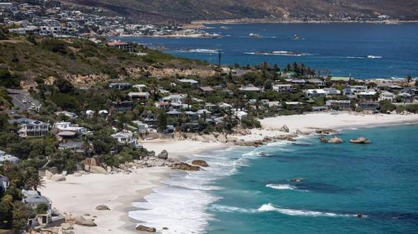 Padahal dahuli Cape Town menyajikan bar tepi laut, perkebunan anggur hingga kemewahan untuk turis (Dwayne Senior/Getty Images)
