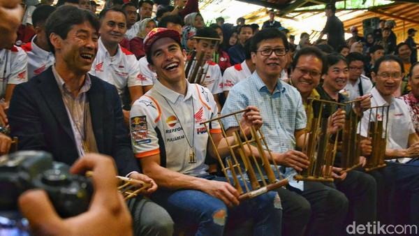 Lewat permainan musik kolaboratif yang ditampilkan, Saung Angklung Udjo pernah memukau sejumlah tokoh nasional, bahkan selebritis dunia, Salah satunya pebalap Moto GP Marc Marquez. Satria Nandha/detikcom.
