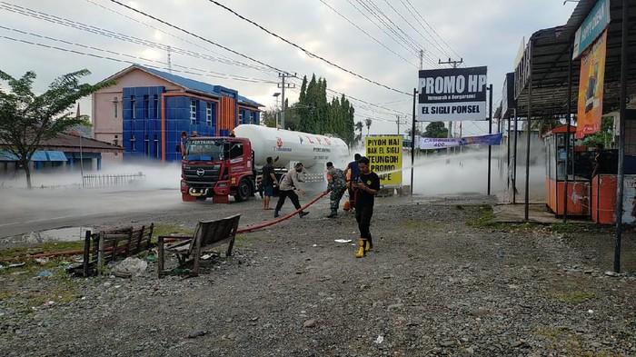 Tangki truk pengangkut elpiji bocor di Aceh