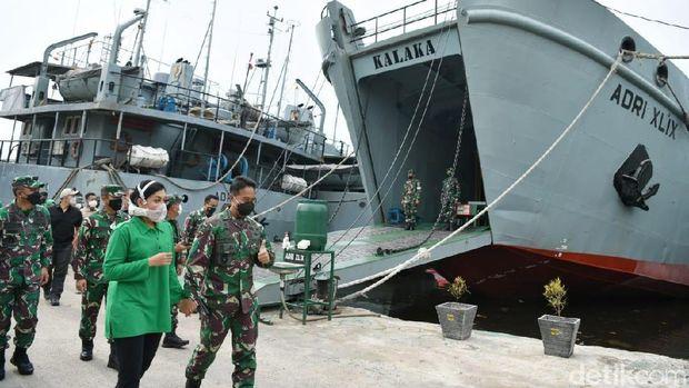 TNI AD Kerahkan 3 kapal angkut bantuan kemanusian ke Kalsel dan Sulbar
