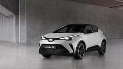 Lihat Lebih Dekat Tampang Ganteng Toyota C-HR Hybrid GR Sport