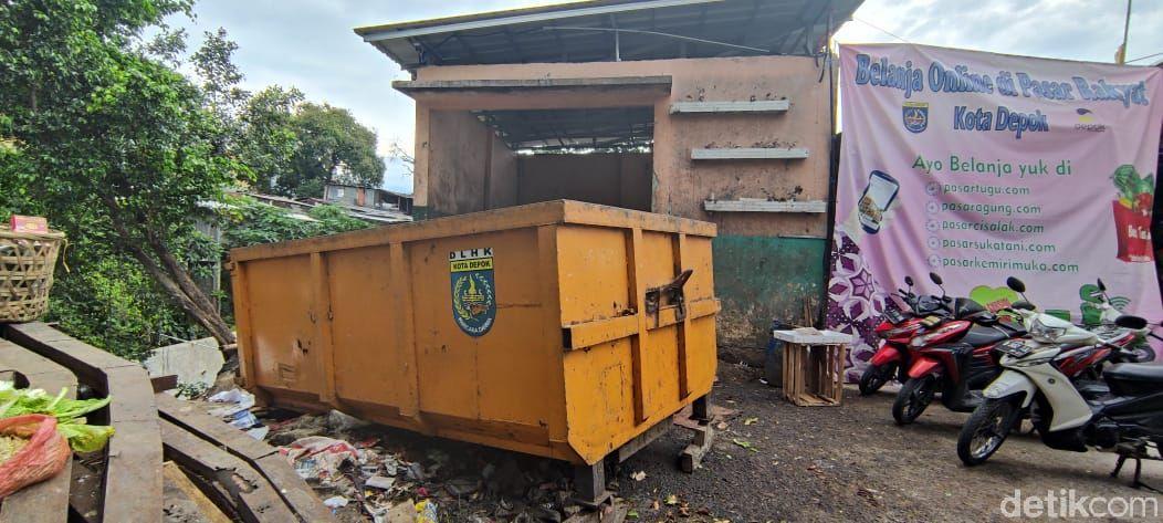 TPS Pasar Pal Tugu, 22 Januari 2021. (Taufieq Renaldi Arfiansyah/detikcom)