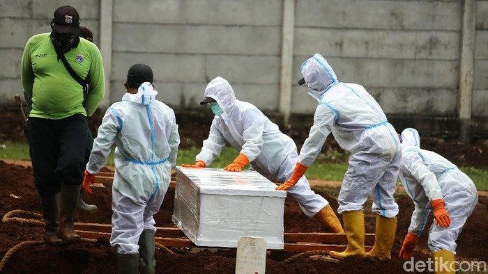 Pemprov DKI Jakarta kembali membuka lahan baru pemakaman jenazah COVID-19 seluas 3.000 meter persegi di Tempat Pemakaman Umum (TPU) Bambu Apus, Kecamatan Cipayung, Jakarta Timur.