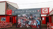 Piala FA: Ketika Bar Disulap Jadi Ruang Ganti Man City