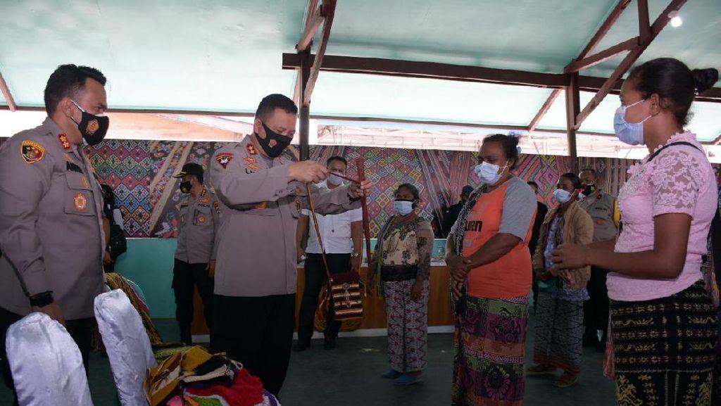 Bertemu Warga Adat Besipae, Kapolda NTT: Situasi Makin Kondusif