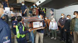 2 Jenazah Penumpang Sriwijaya Air SJ182 Asal Kediri Tiba di Bandara Juanda