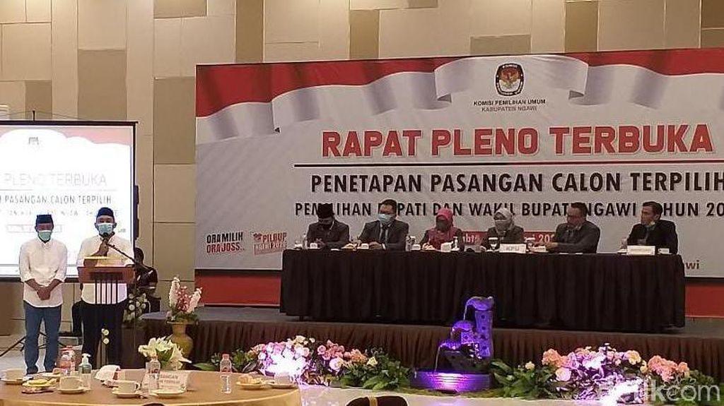 Menang Lawan Kotak Kosong, KPU Ngawi Tetapkan Ony-Antok Jadi Bupati-Wabup Terpilih