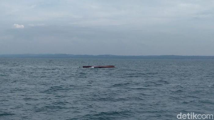 Kronologi Tabrakan 2 Kapal di Perairan Gresik yang Hilangkan 5 ABK