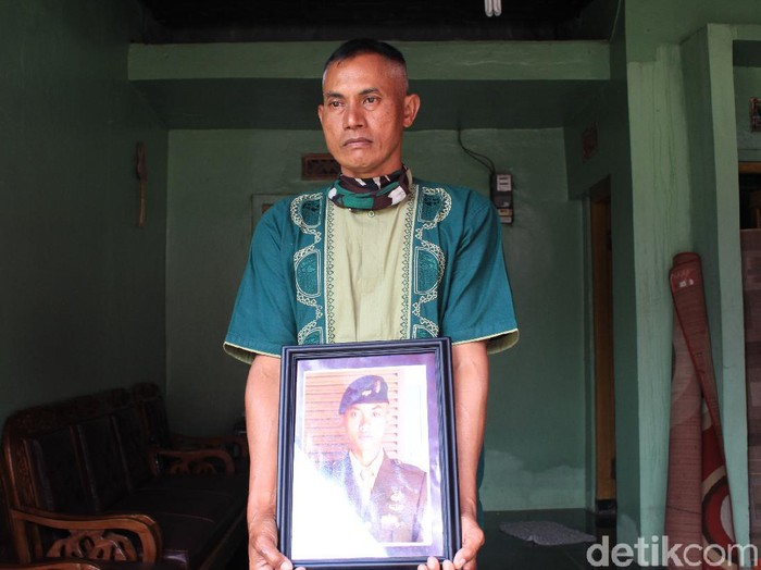 Kuspriyadi, ayah Pratu Roy yang gugur di Papua
