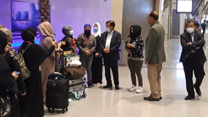 Mantan Wapres Jusuf Kalla Ikut Melepas PMI Program Amnesti Kesultanan Oman
