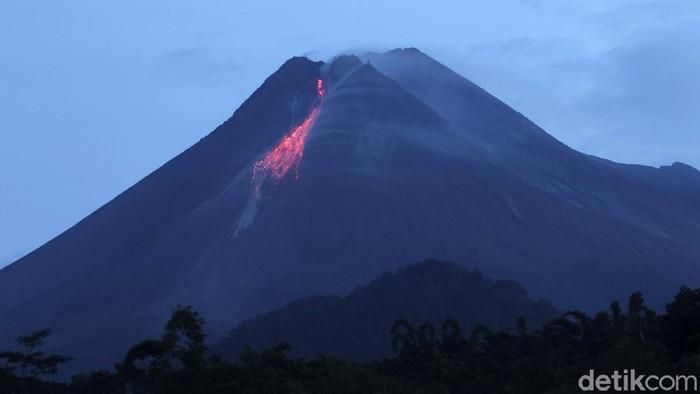Aktivitas vulkanik Gunung Merapi masih tinggi. Berdasarkan laporan per 6 jam, BPPTKG mencatat Gunung Merapi telah memuntahkan 17 kali guguran lava pijar.