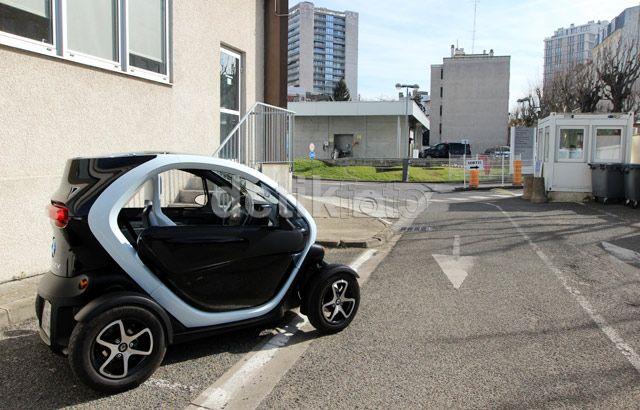 Uji Renault Twizy langsung di Paris, Prancis