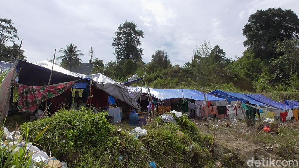 Trauma Usai Sepekan Diguncang Gempa, Warga Mamuju Bertahan di Pengungsian