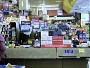 Minta Prokes COVID-19 di Supermarket Lebih Ketat, Karyawan Ini Malah Dipecat