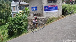 Hobi Gowes? Jajal Tanjakan Langit Cijengkol 75 Derajat di Lembang