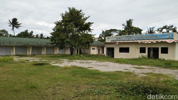 Bangunan rest area di Pandeglang tak terurus ditinggalkan pedagang