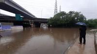 Jalan Raya Kalimalang Terendam Banjir, Rekayasa Lalin Diberlakukan