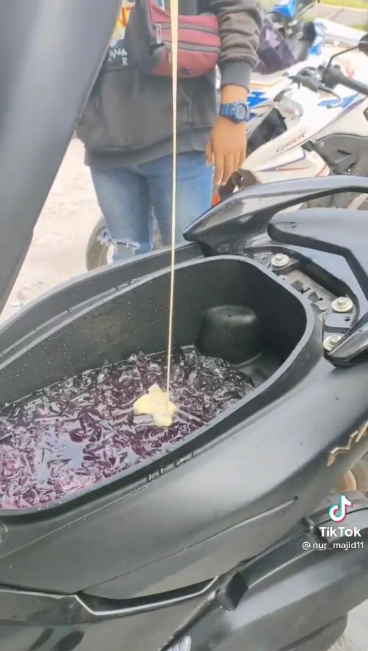 Kreatif! 5 Bagasi Motor Ini Dijadikan Tempat Es Buah hingga Panci Bakso