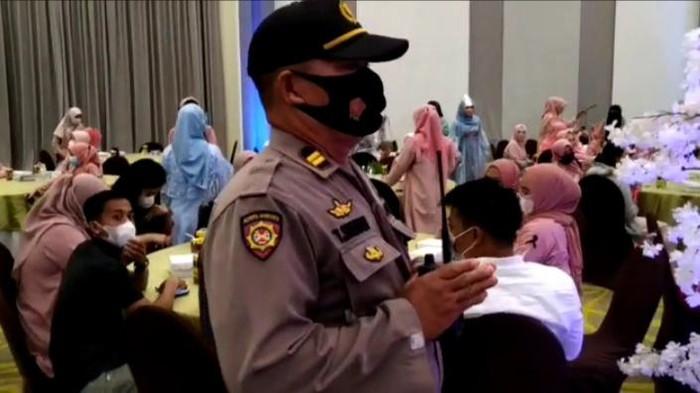 Polisi bubarkan acara ulang tahun produk kosmetik di Makassar