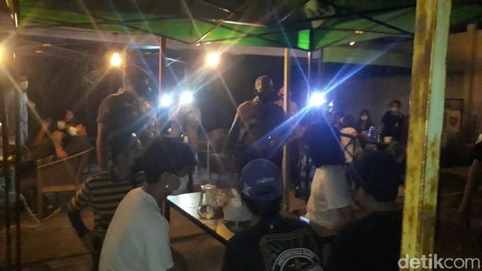 Polres Jaksel razia prokes di Kemang