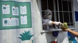 Badan Pengawasan Keuangan dan Pembangunan (BPKP) hadirkan laboratorium mini-layanan tes swab antigen bagi para pegawai. Hal itu dilakukan guna cegah COVID-19.