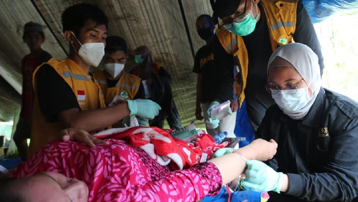 Aksi kemanusiaan CT Arsa Foundation-Dompet Amal Transmedia