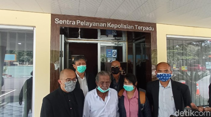 Ayah Digugat Anak Kandung di Bandung