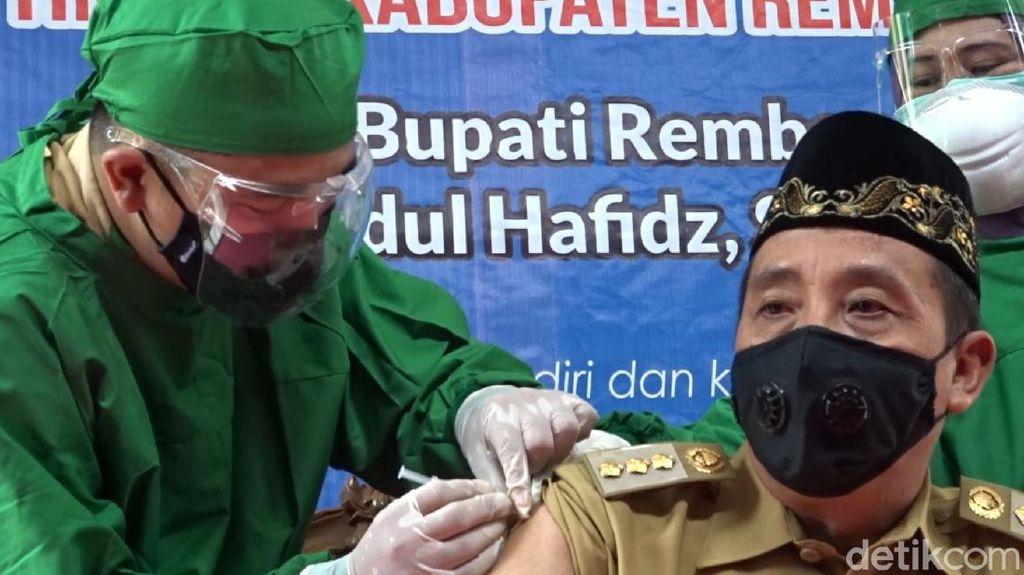 Bupati Rembang Disuntik Vaksin Corona, Sempat Tertunda Gegara Tensi Tinggi