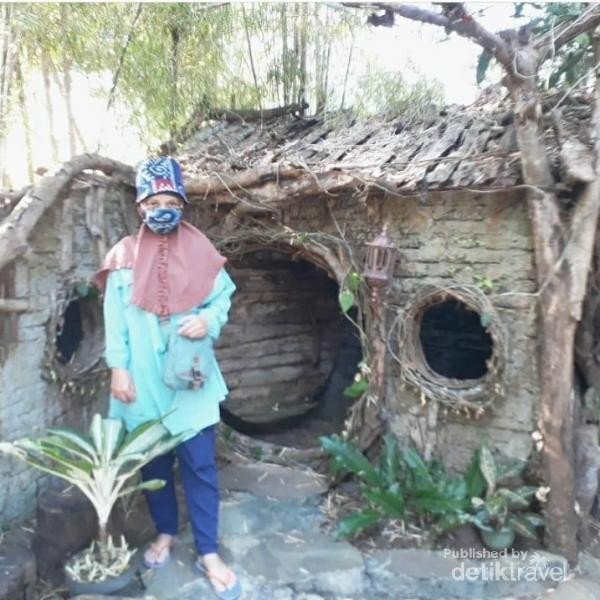 Rumah Hobbit Ciamis