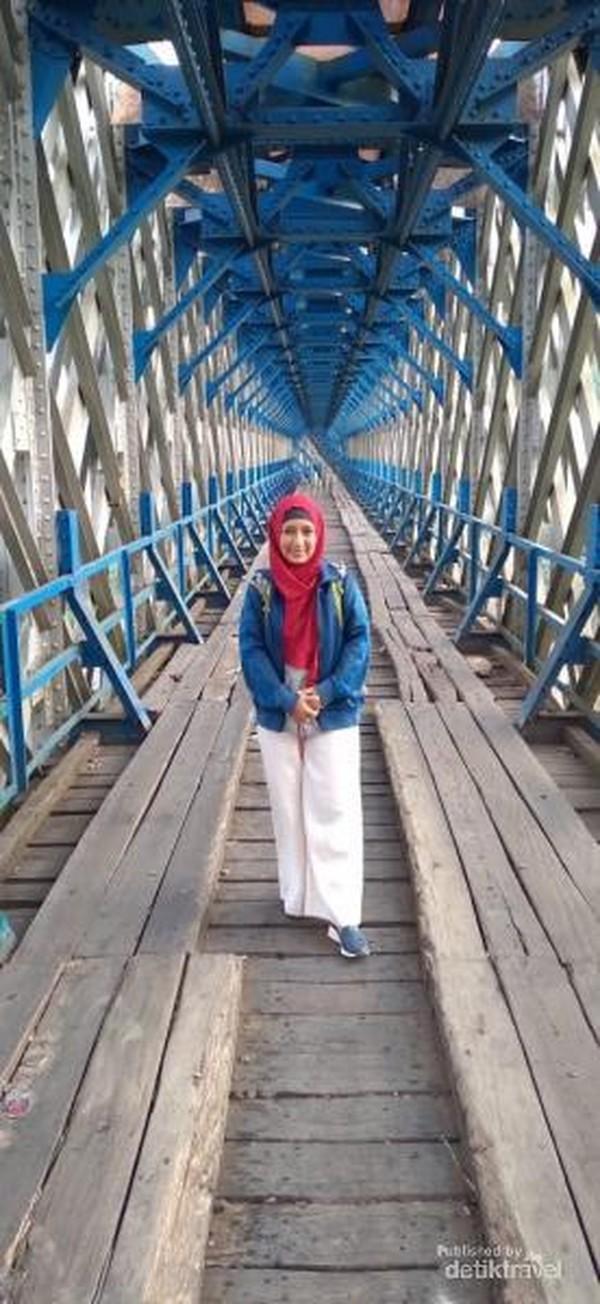 Jembatan Ciharong yang multifungsi