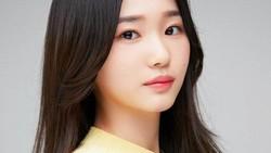 8 Foto Pemeran Hye Min yang Jerawatan di True Beauty, Aslinya Ternyata...